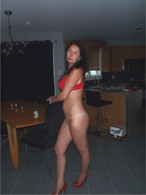 Roselene midget escorts in Mount Vernon, VA